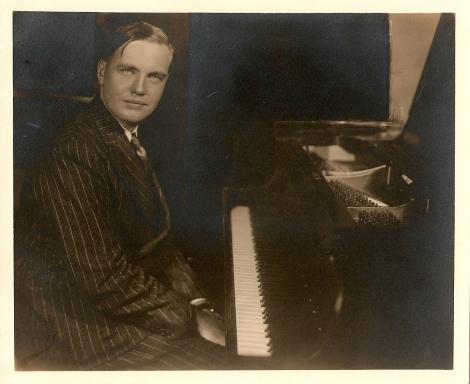 George Antheil at the piano, 1932